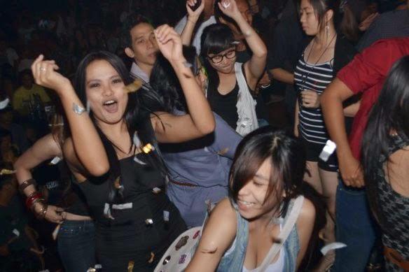 Teen girls in Pekanbaru